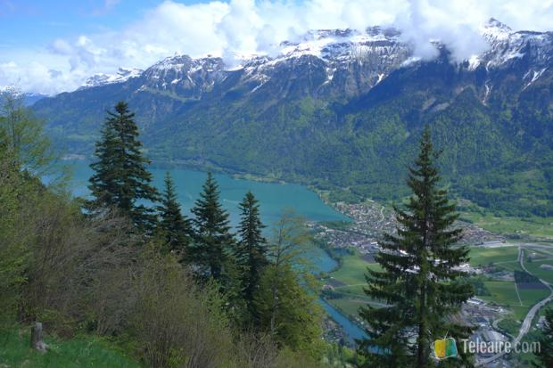 Vista del Brienz e Interlagos desde el funicular que asciende al Harder Kulm