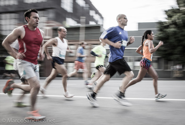 corredores profesionales en bay to breakers