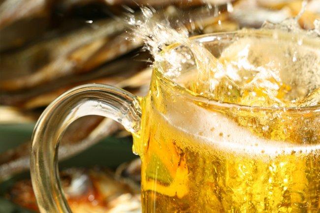 El consumo de cerveza por habitante checho es de 157 litros por año