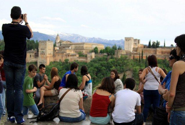 Turistas en el Mirador de San Nicolas