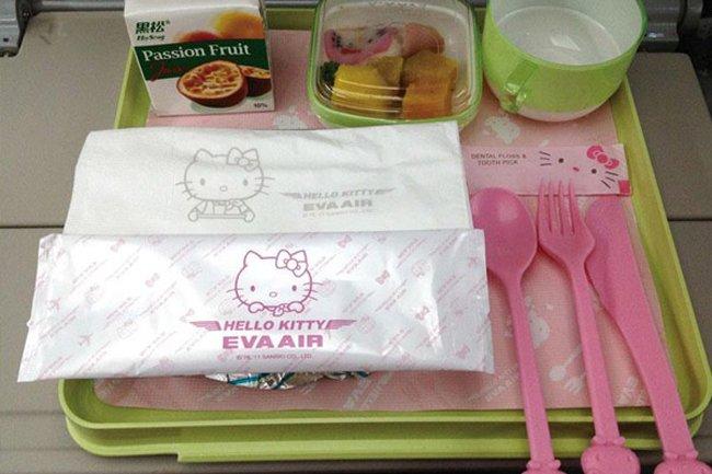 Eva_Airs_Hello_Kitty