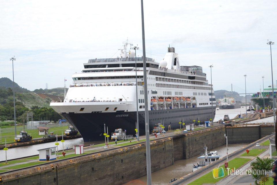 Impresionante es ver como los grandes barcos atraviesan de un oceáno a otro