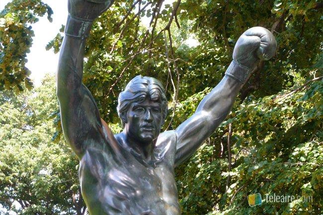 Rocky_estatua