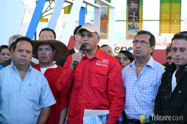 Ministro Izarra en Apertura FitVen 2013