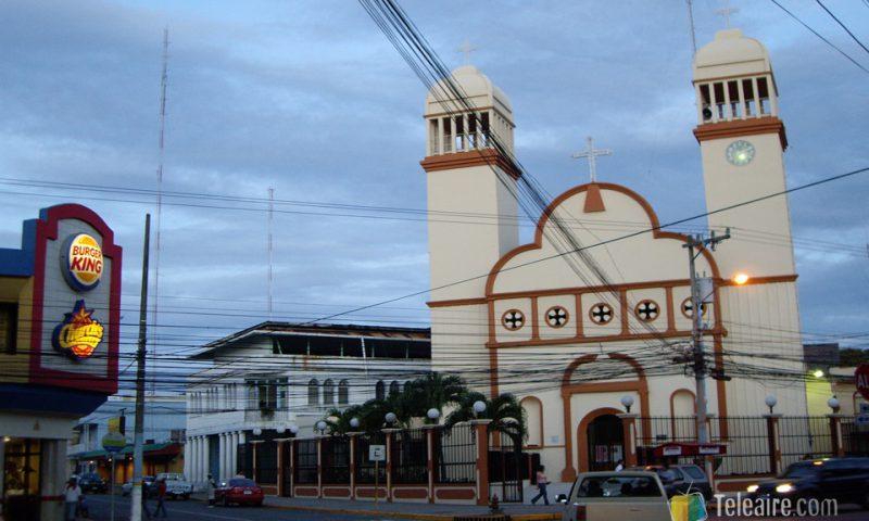 La Ceiba es una ciudad muy de estilo americano junto al Caribe