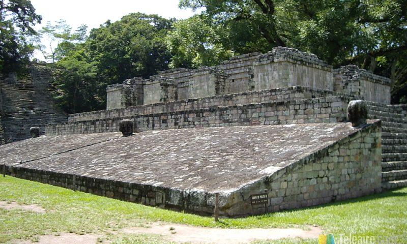 En Copán se conserva la única estructura completo del juego de la pelota maya