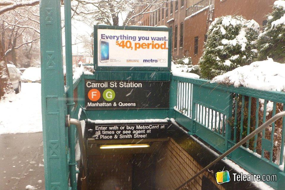 Solo dentro del metro se puede escapar al paisaje nevado