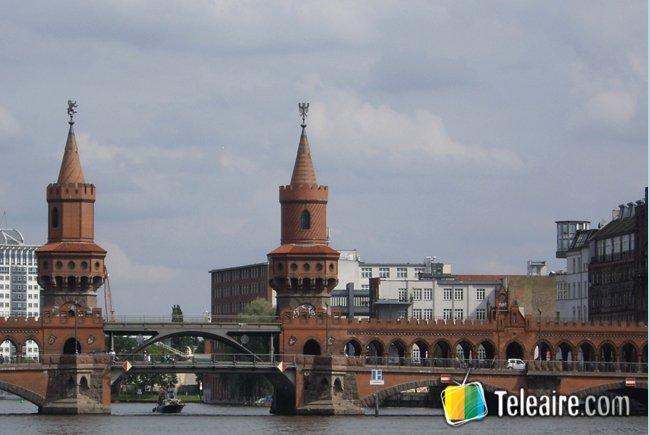 Puente-Oberbaumbrucke-Berlin