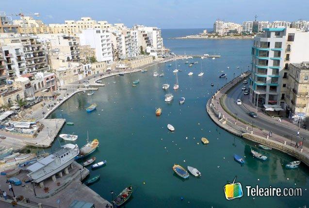 La bahia de St. Julien en Malta