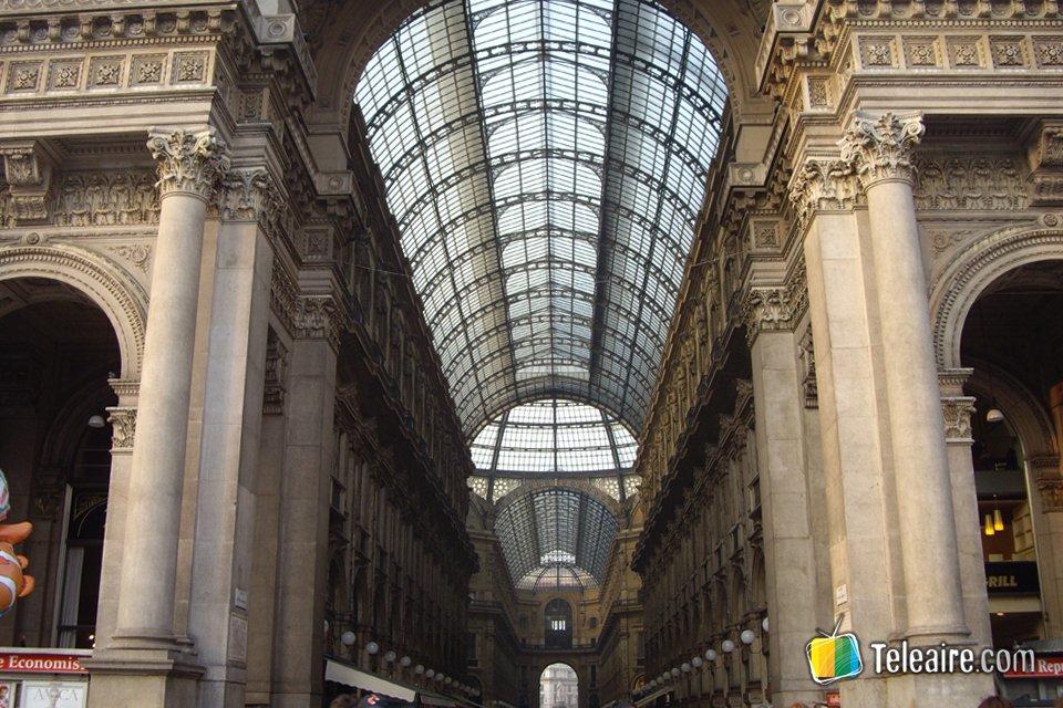 Al otro lado está la Scala de Milán