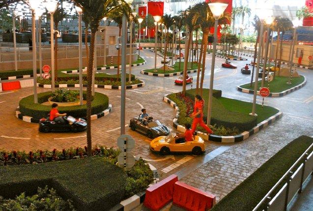 Clases de manejo para niños en Ferrari World