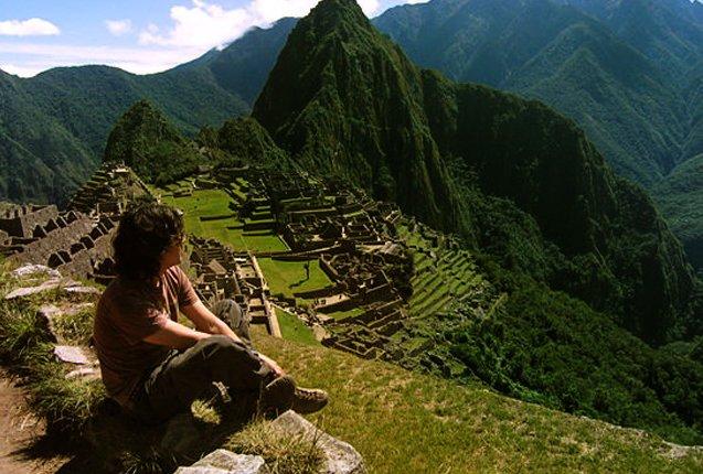turismo mochilero en las ruinas de machu picchu