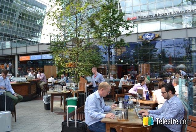 patio de cerveza en el aeropuerto de munich