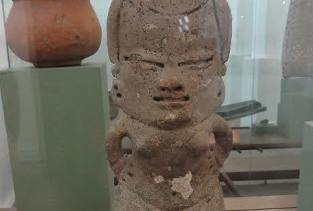 estatua en el muso nacional de colombia