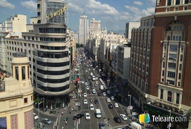 avenida en el centro de madrid