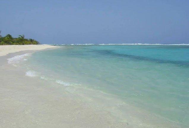 agua cristalina en las playas de morrocoy