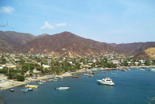 la costa de Taganga en Colombia