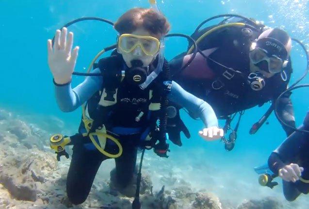 buceando en las profundidades del mar adriatico