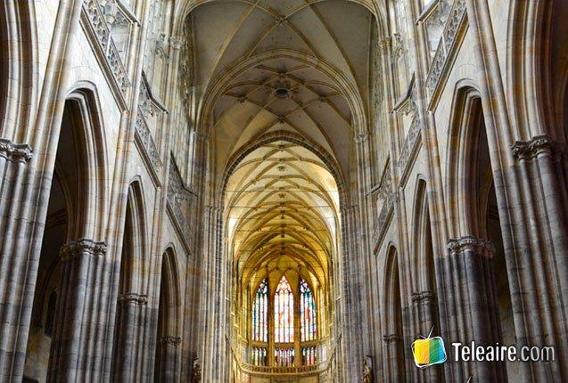 interior de la catedral de praga