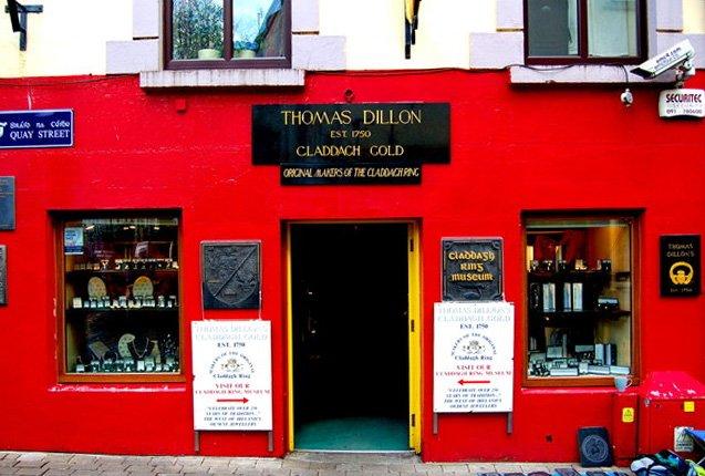 fachada de la tienda Thomas Dillon