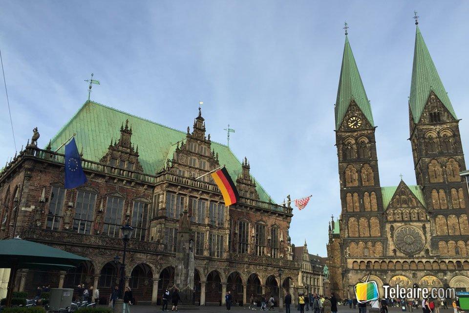 El ayuntamiento de 600 años comparte protagonismo con la Catedral de Bremen