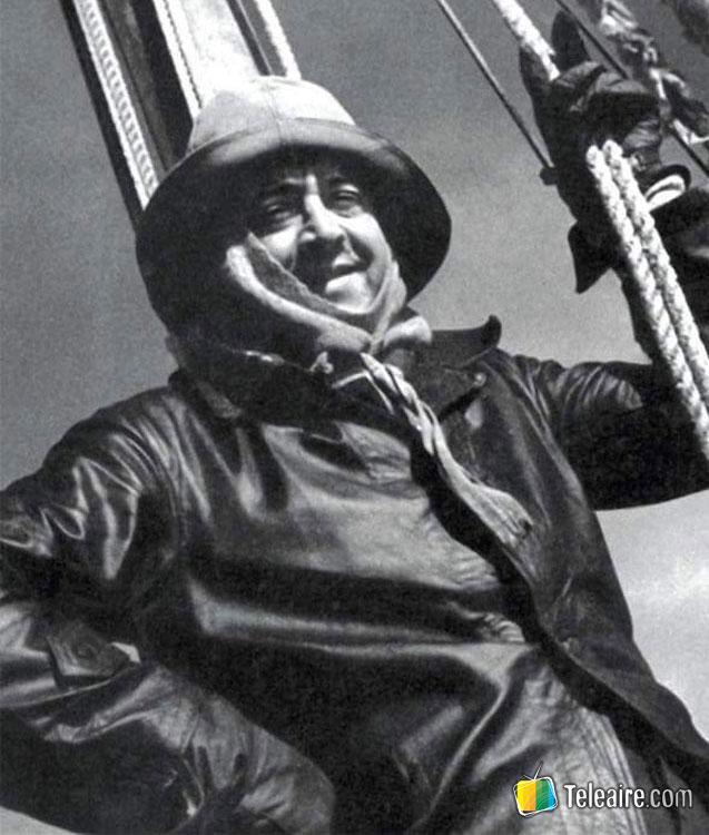 Vito Dumas es el primer navegante en dar la vuelta al mundo en solitario