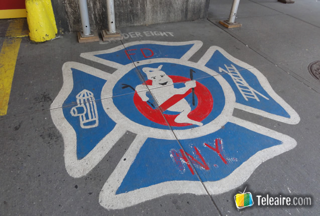 003 - Logos en el piso (2)