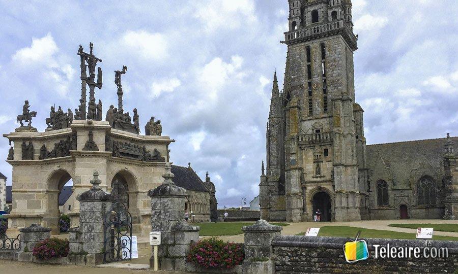 Recintos parroquiales de la bretana francesa