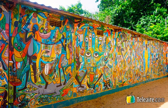 Mural del Centro de Interpretación del Kachikally Krokodillenpoel