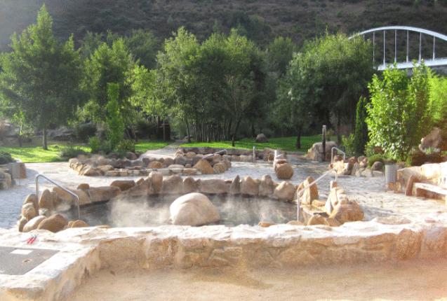 Experiencia de viaje en España visitando las termas romanas de Ourense