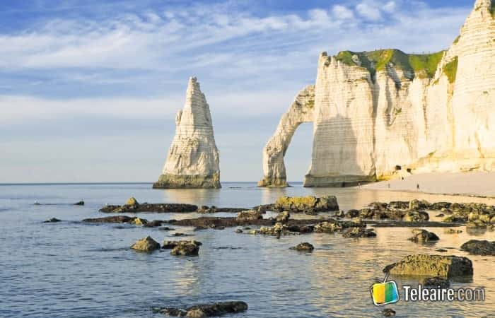 Viajar a Francia y descubrir Etretat